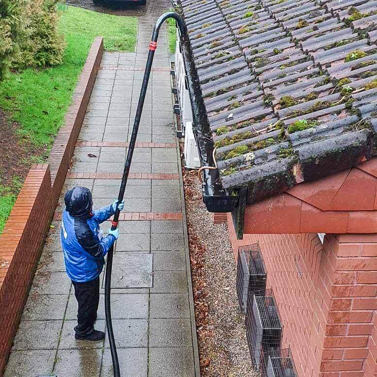 How to Clean Gutters. 1
